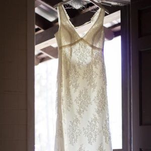 Size 14 unaltered David's Bridal dress